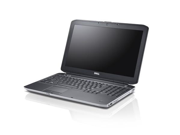 DELL E5530 desna strana laptopa